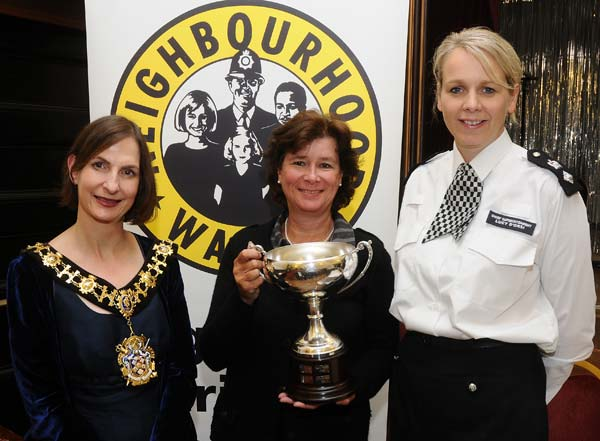 L-R: Cllr Belinda Donovan (Mayor of Hammersmith & Fulham), Viv James (2012 Douglas Hurd Cup winner) and Chief Superintendant Lucy D'Orsi (Borough Commander)
